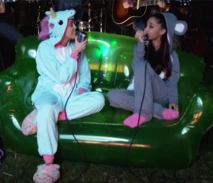 kigurumi Ariana Grande & Miley Cyrus